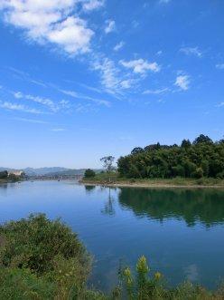 由良川と空が映った写真
